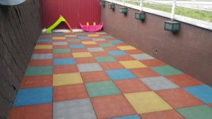Резиновая плитка игровой зоны 2