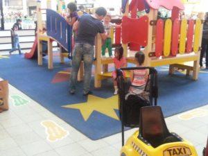 Детская игровая площадка с резиновым бесшовным покрытием