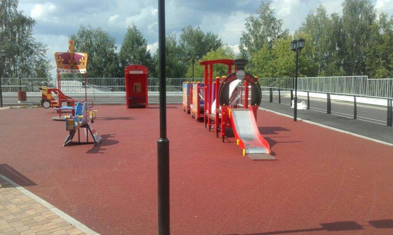 Детская спортивная площадка с бесшовным резиновым покрытием