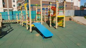 Детская игровая площадка с бесшовным резиновым покрытием 19