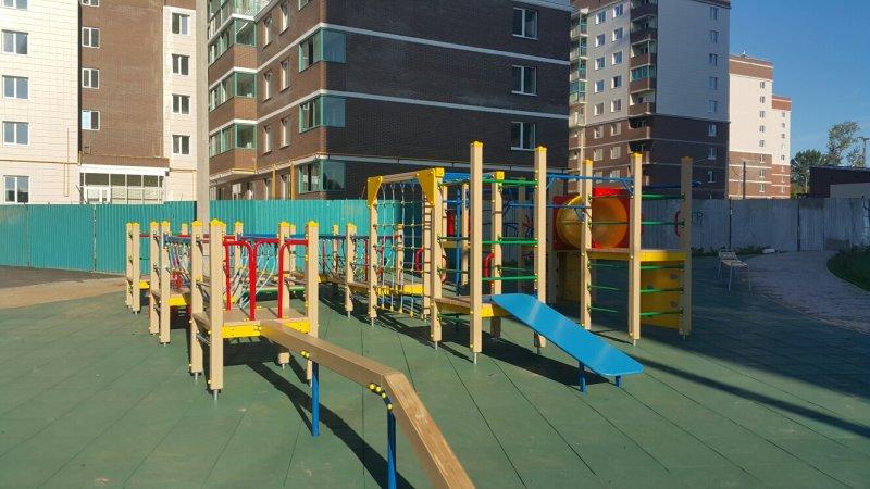 Детская игровая площадка с бесшовным резиновым покрытием 18