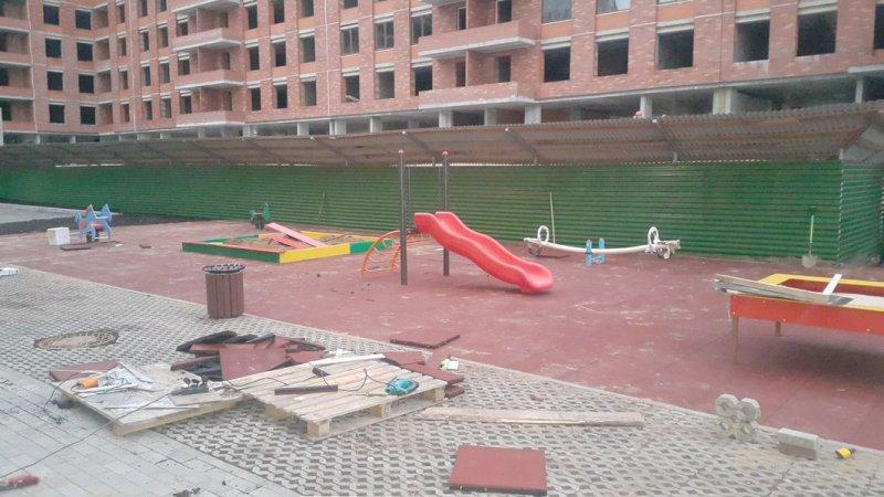 Детская игровая площадка с резиновой плиткой 17