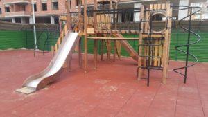 Детская игровая площадка с резиновой плиткой 15