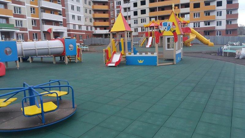 Детский игровой комплекс с резиновой плиткой 9