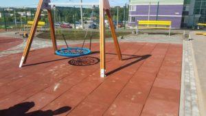 Детская игровая площадка с резиновой плиткой 8