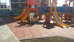 Детская игровая площадка с резиновой плиткой 5