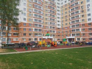 Детская игровая площадка с резиновым покрытием