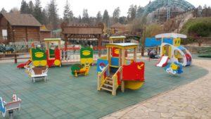 Детская игровая площадка с резиновой плиткой 3